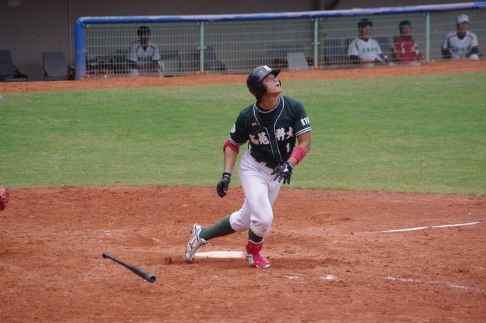 高苑科大棒球隊藍寅倫如願挑戰職棒 加盟Lamigo桃猿隊。技職博覽會/攝影