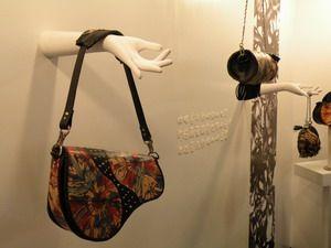 樹德科大「實衣著行」靜態展 時尚作品秀生活。技職博覽會/攝影