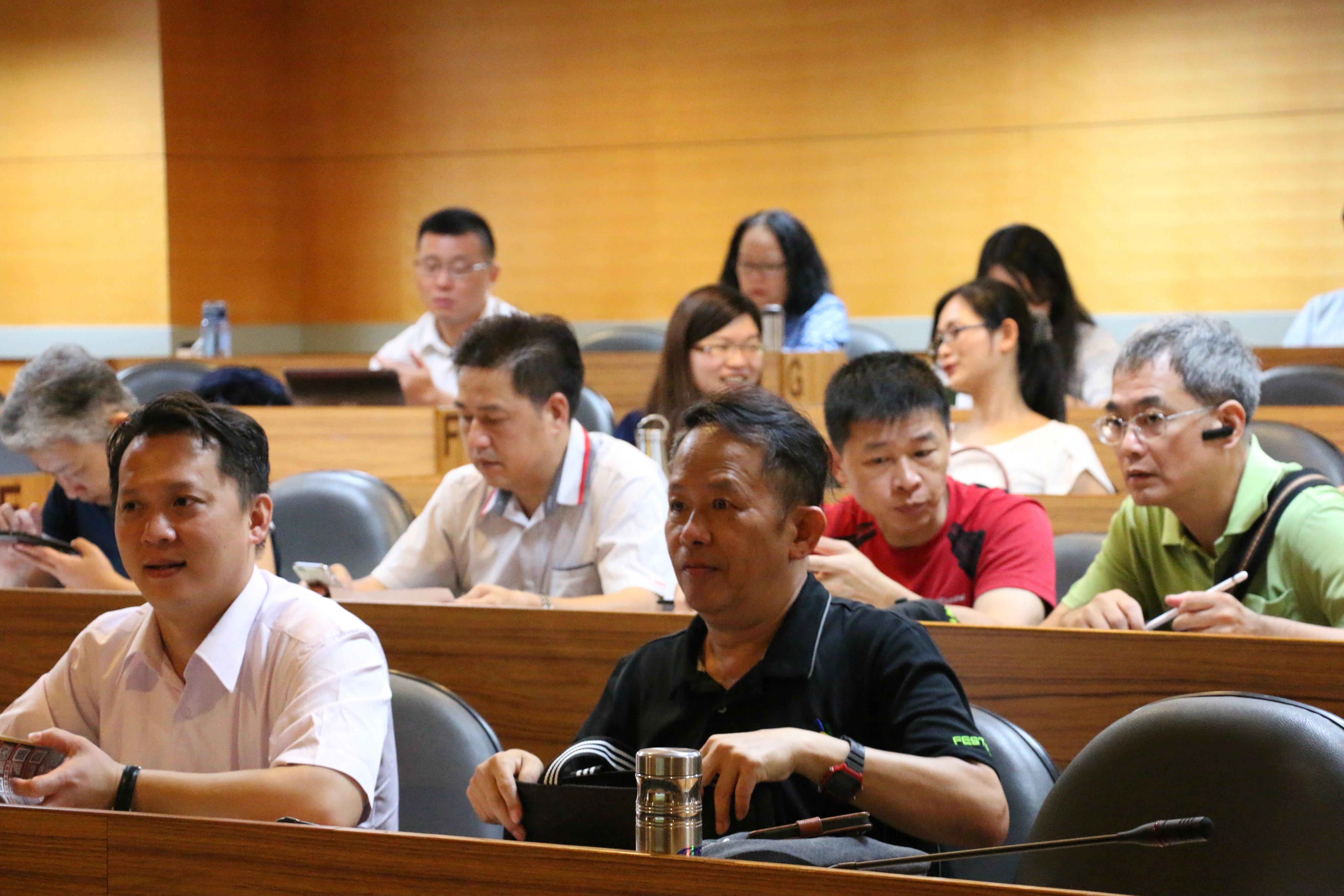 座談會現場也有不少技能競賽教練與裁判長出席。(圖/黃偉翔攝影)